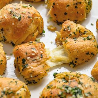 Cheesy Garlic Knots Real Food by Dad
